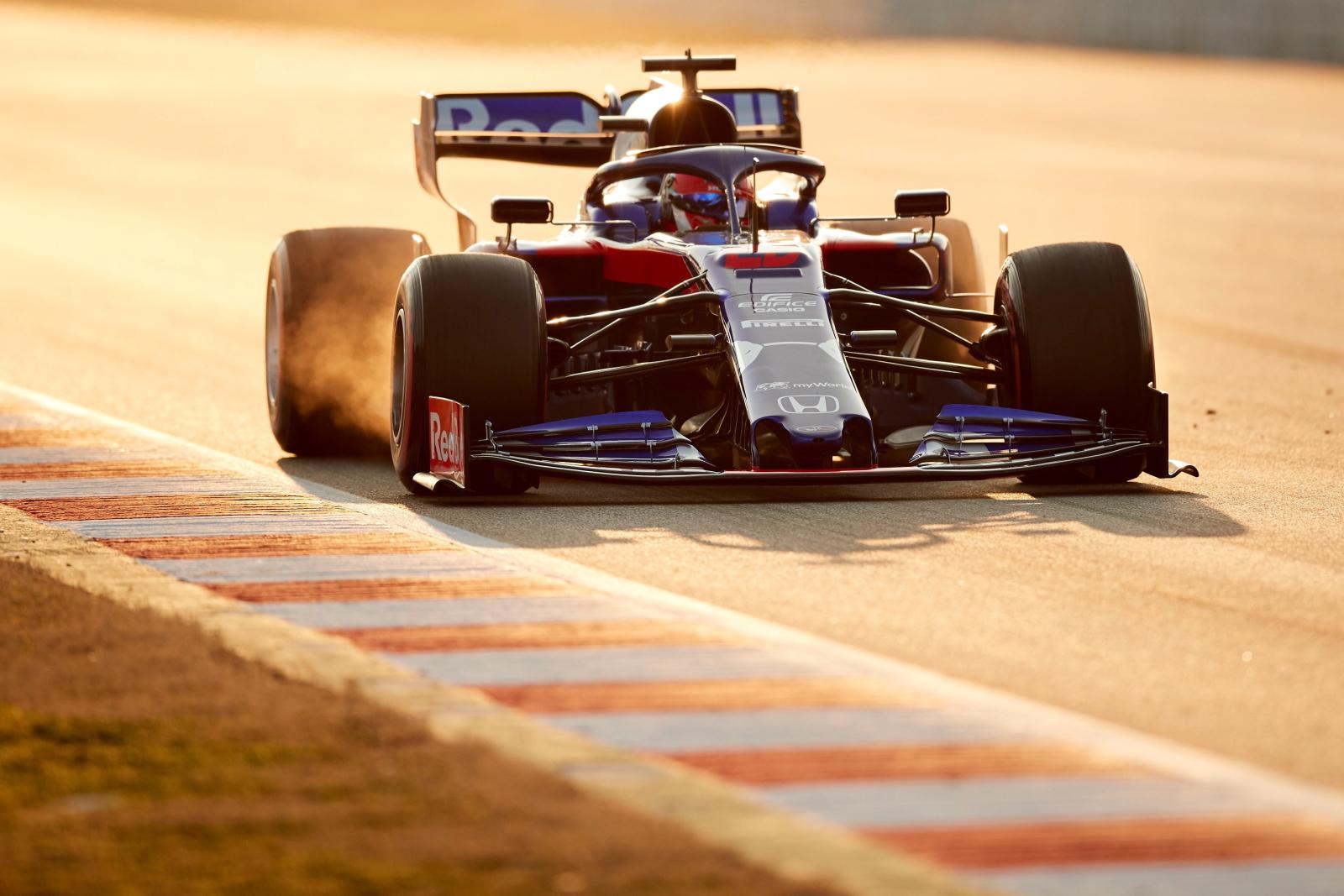 Przedsezonowe testy F1 w Barcelonie. fot. EPA/Alejandro Garcia