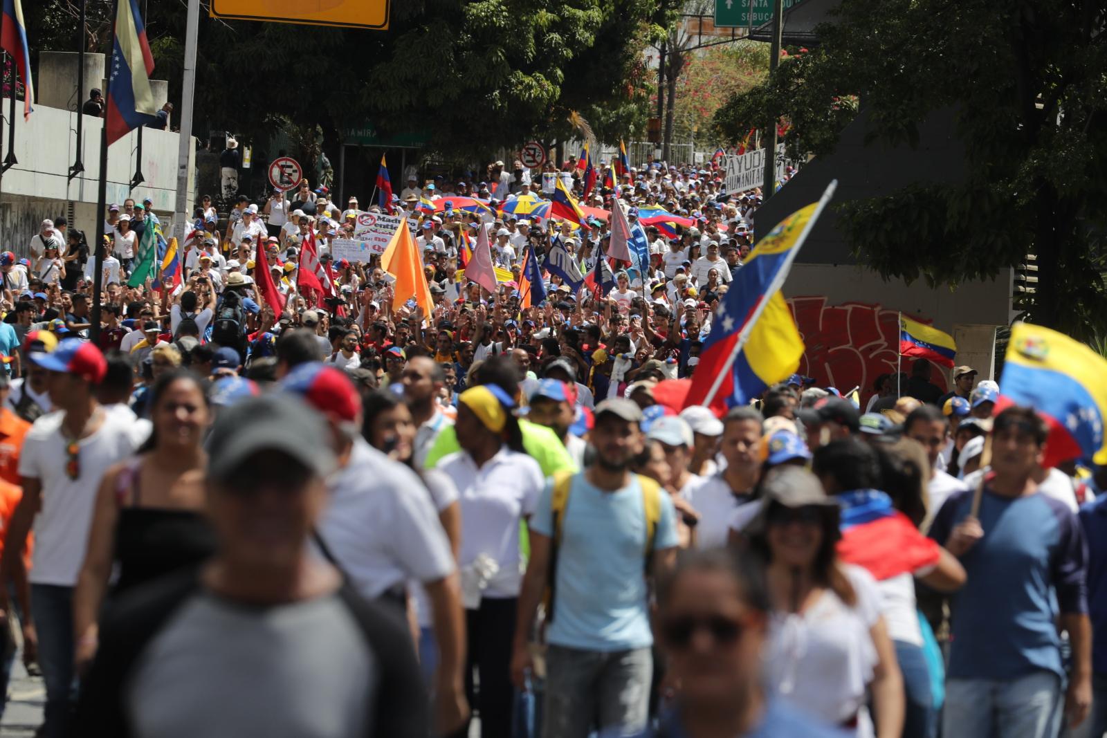 Antyrządowe demonstracje w Caracas. fot. EPA/MIGUEL GUTIERREZ