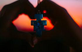 miłość krzyż