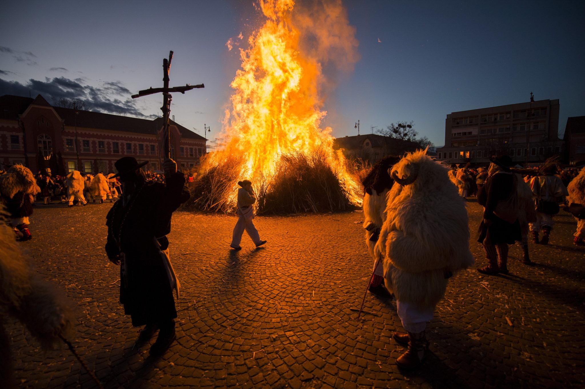 Węgry, wieś Moha, tradycyjny karnawał, fot. Zoltan Balogh HUNGARY OUT Dostawca: PAP/EPA.