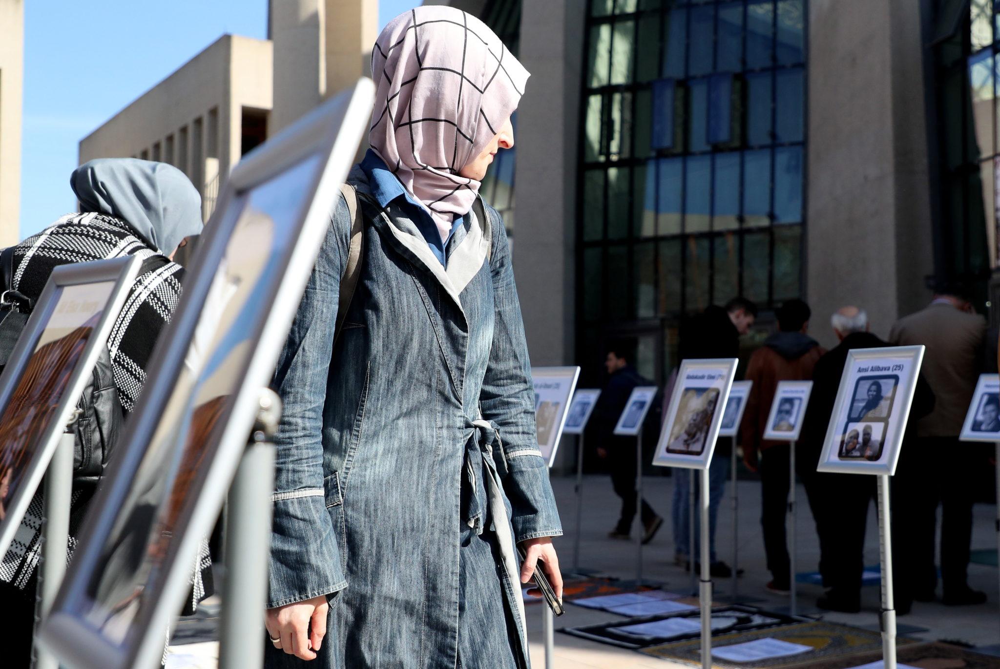 Żałoba i solidarność w Nowej Zelandii po zamachach. Trwają pogrzeby ofiar, misyjne pl