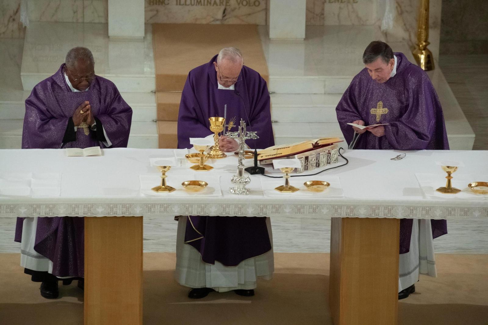 Papież Franciszek na rekolekcjach EPA/VATICAN