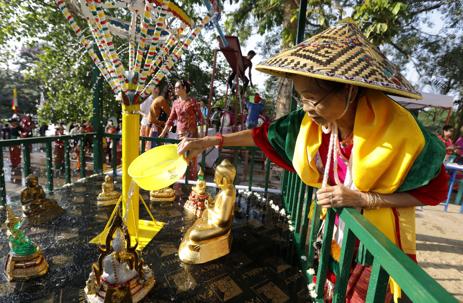Festiwal wody w Mjanmie. Fot. PAP/EPA/NYEIN CHAN NAING