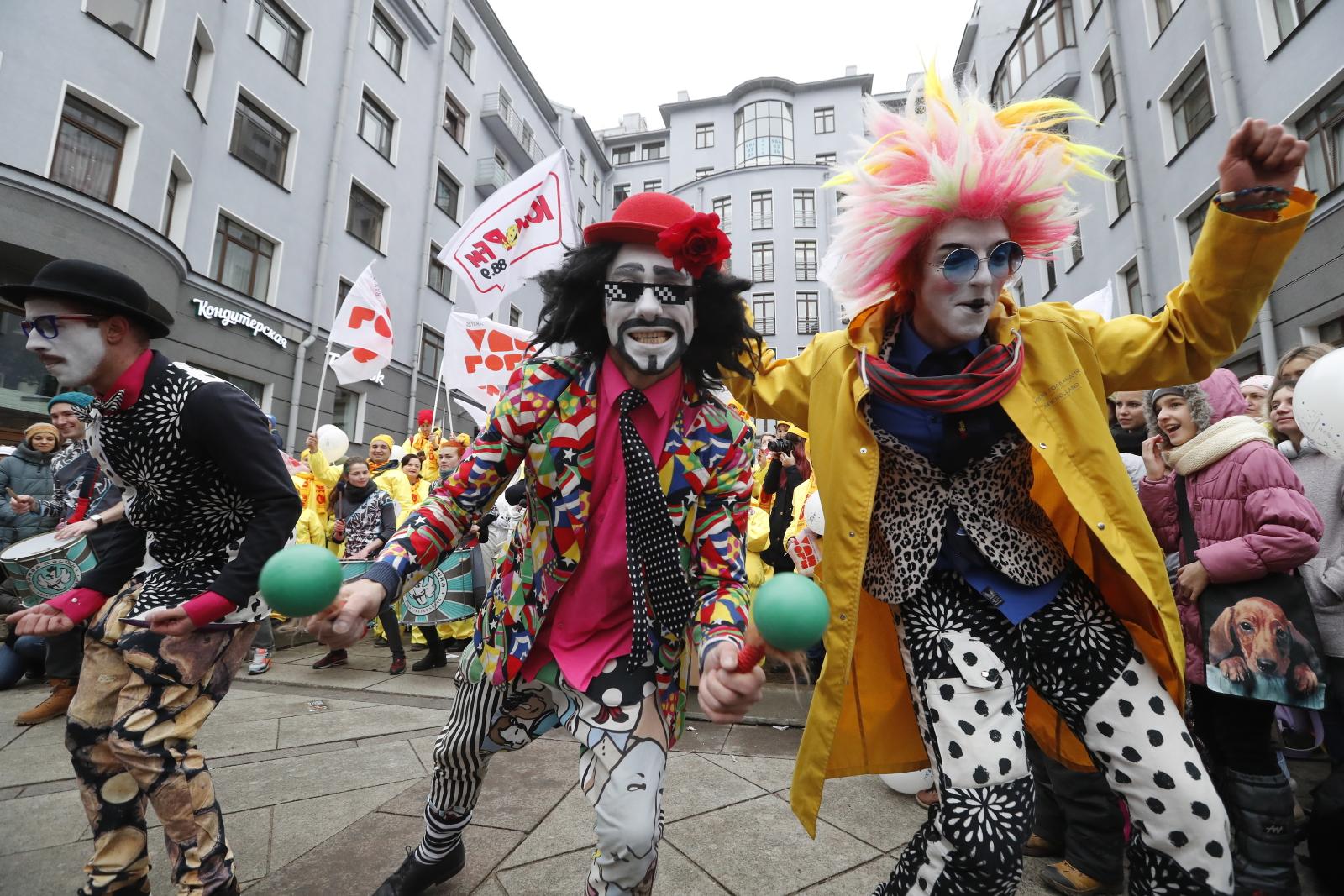 Humor Day w Sankt Petersburgu. Fot. PAP/EPA/ANATOLY MALTSEV
