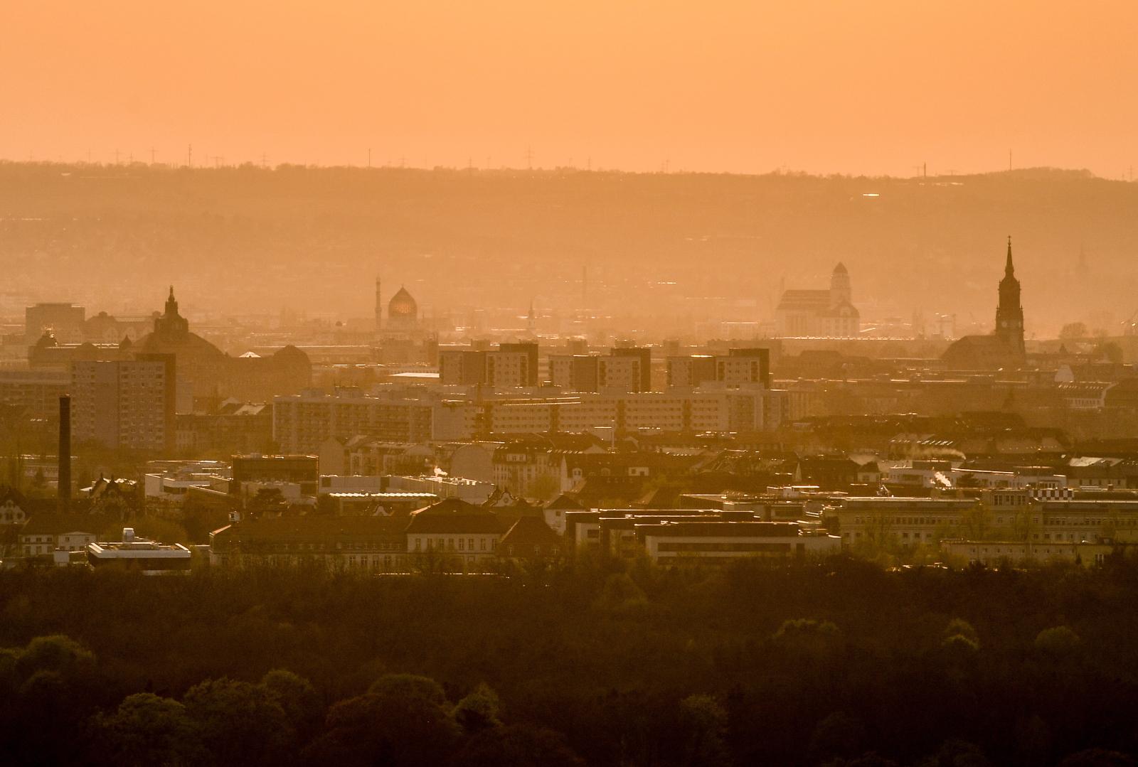 Niemcy, zachód słońca    EPA/FILIP SINGER
