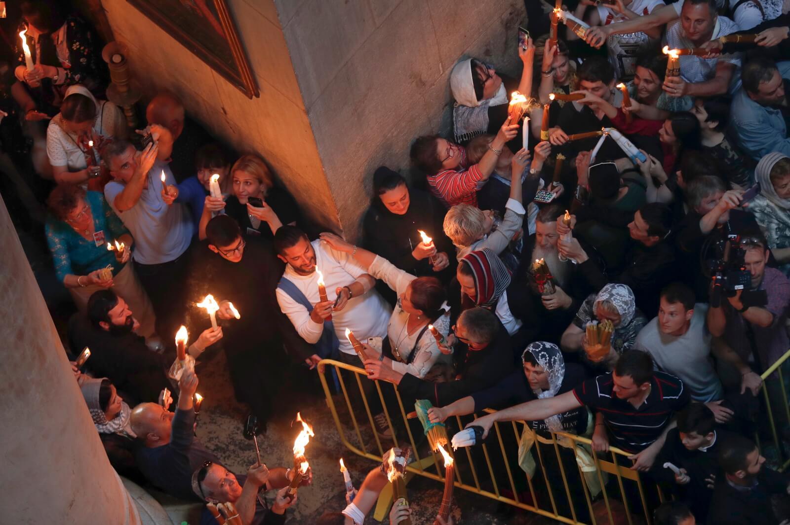 Ceremonia Świętego Ognia fot. EPA/ATEF SAFADI