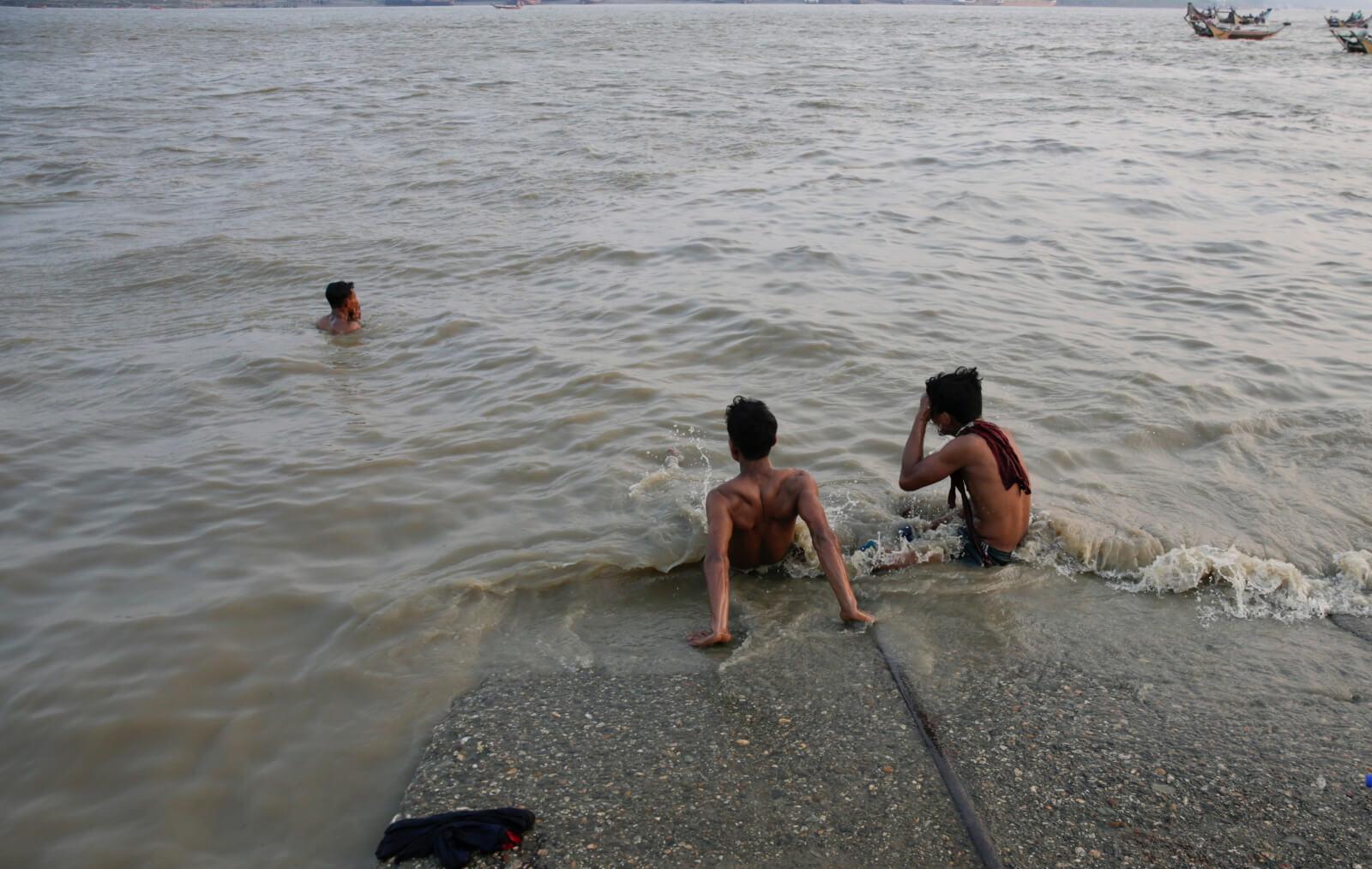 Spiekota w Myanmarze fot. EPA/LYNN BO BO