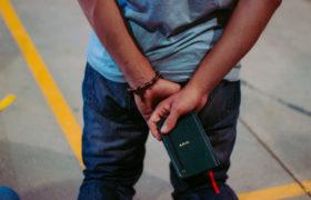 modlitewnik chłopak