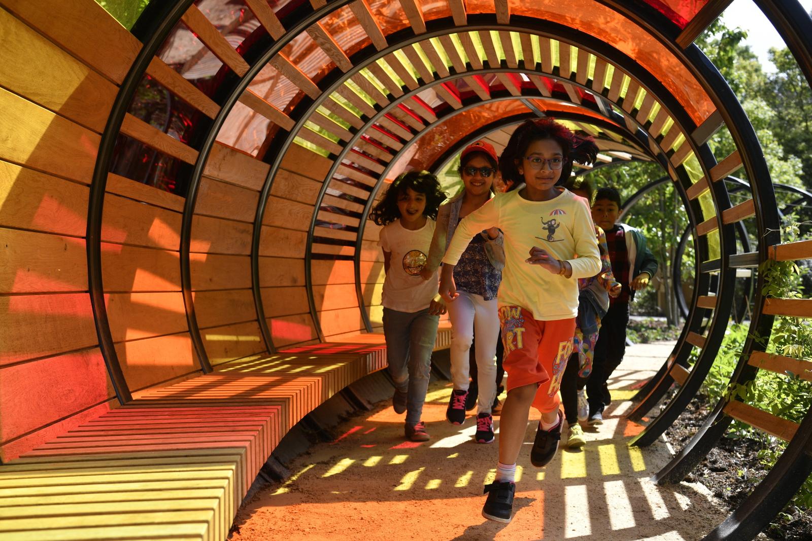 Wielka Brytania - Przyjęcie dla dzieci w królewskich ogrodach EPA/NEIL HALL
