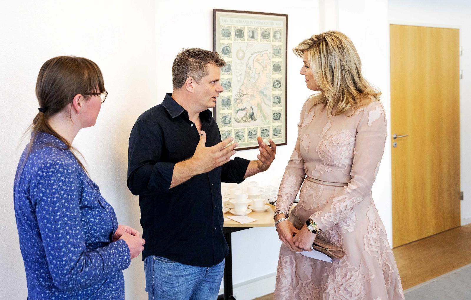 Królowa Holandii Maxima z wizytą w centrum dla osób z traumami psychicznymi w Amsterdamie. Fot. PAP/EPA/Robin van Lonkhuijsen
