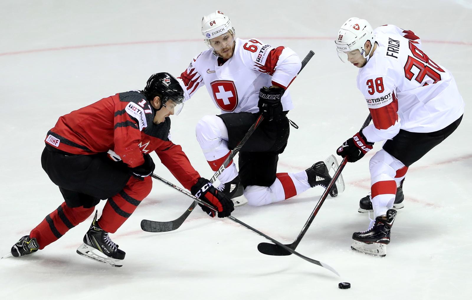 Mistrzostwa Świata w hokeju na lodzie na Słowacji. Fot. PAP/EPA/MARTIN DIVISEK