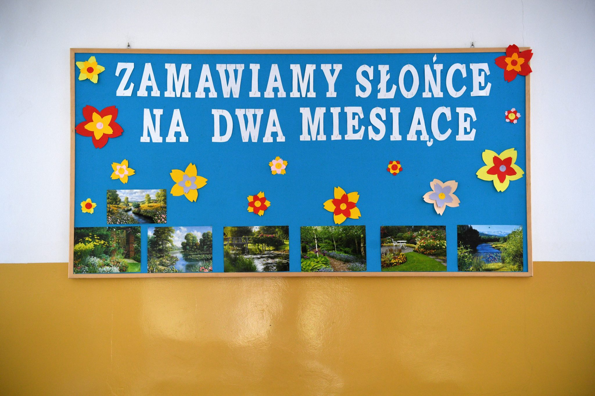 Czelatyce, plakat na zakończenie roku szkolnego, fot. Darek Delmanowicz