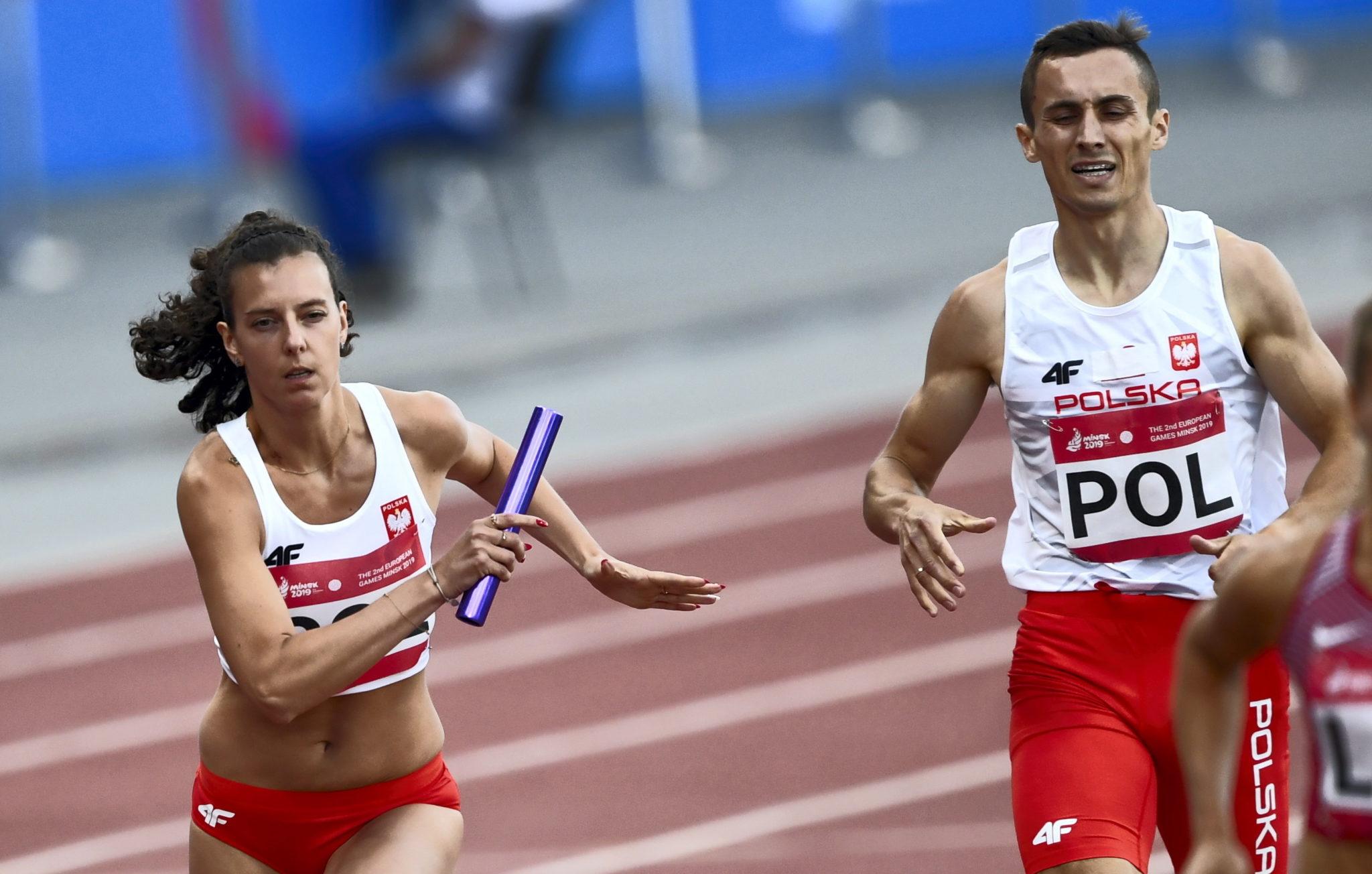 Małgorzata Linkiewicz i Adam Czerwiński w biegu sztafetowym  na stadionie Dynamo w Mińsku, fot Piotr Nowak PAP