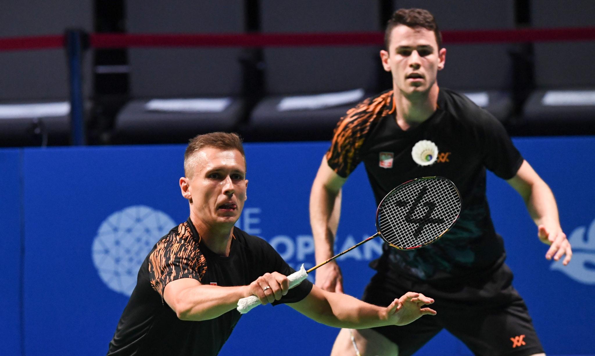 Białoruś: Polacy Miłosz Bochat i Adam Cwalina w meczu badmintona przeciwko parze Kim Astrup i Anders Rasmussen z Danii podczas II Igrzysk Europejskich w Mińsku, fot. Piotr Nowak, PAP