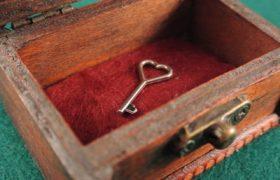 klucz serce skarb