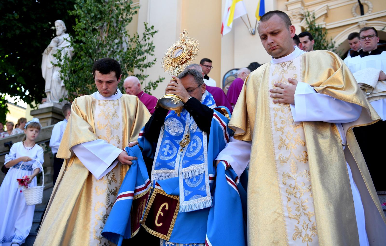 Przemyśl wspólna procesja z grekokatolikami PAP/Darek Delmanowicz