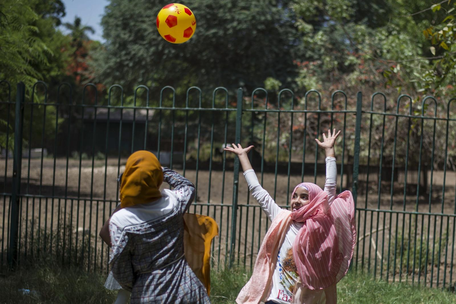 Muzułmanki świętujące zakończenie Ramadanu, Giza, Egipt. Fot. EPA/Mohamed Hossam