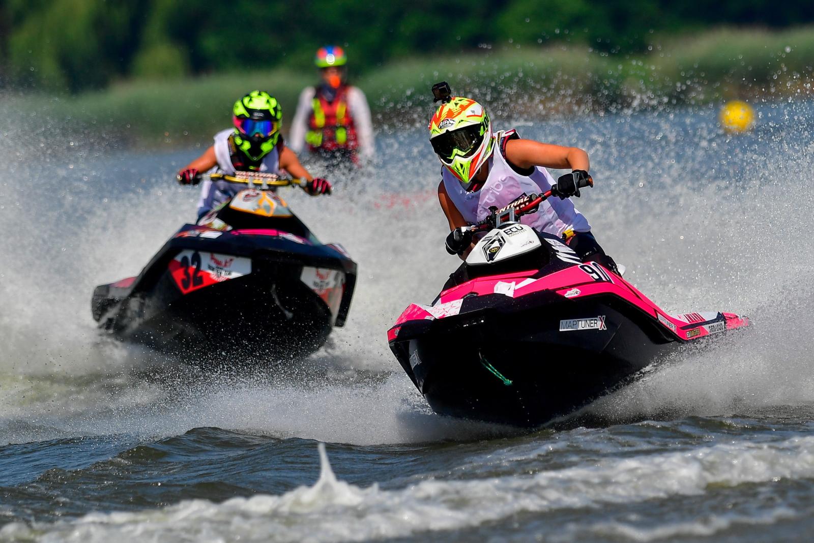 Na Węgrzech odbywają się Mistrzostwa Europy w aquabike. Fot. PAP/EPA/Zsolt Czegledi