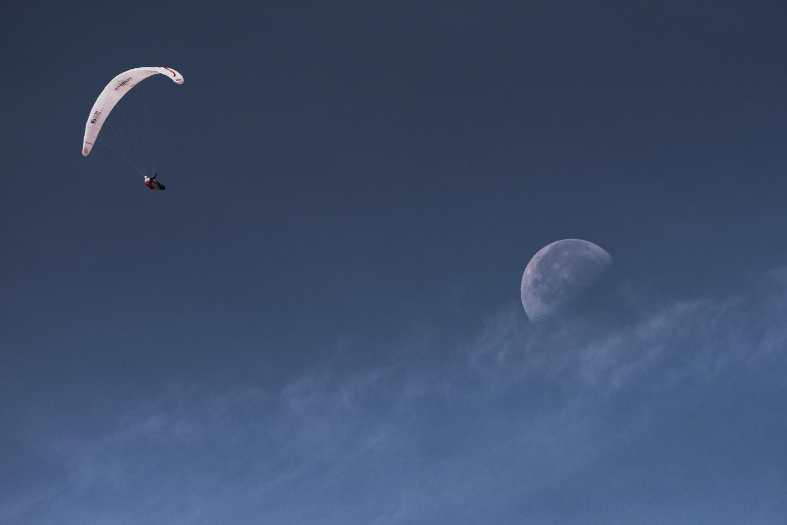 Zawody Red Bull X-Alps Fot. PAP/EPA/Sebastian Marko / LIMEX IMAGES / HANDOUT