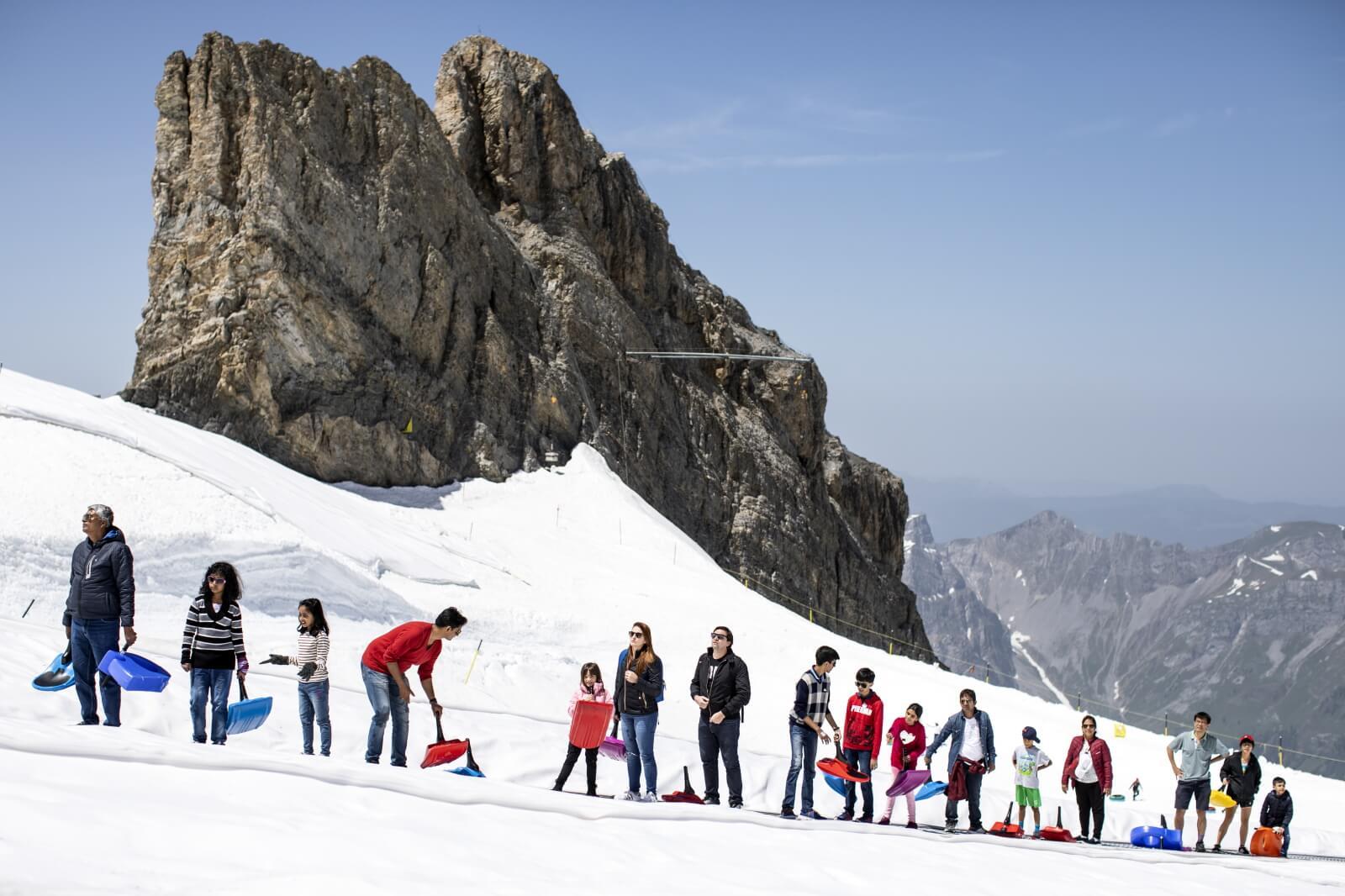 Tak Szwajcarzy radzą sobie falami gorąca fot. EPA/ALEXANDRA WEY