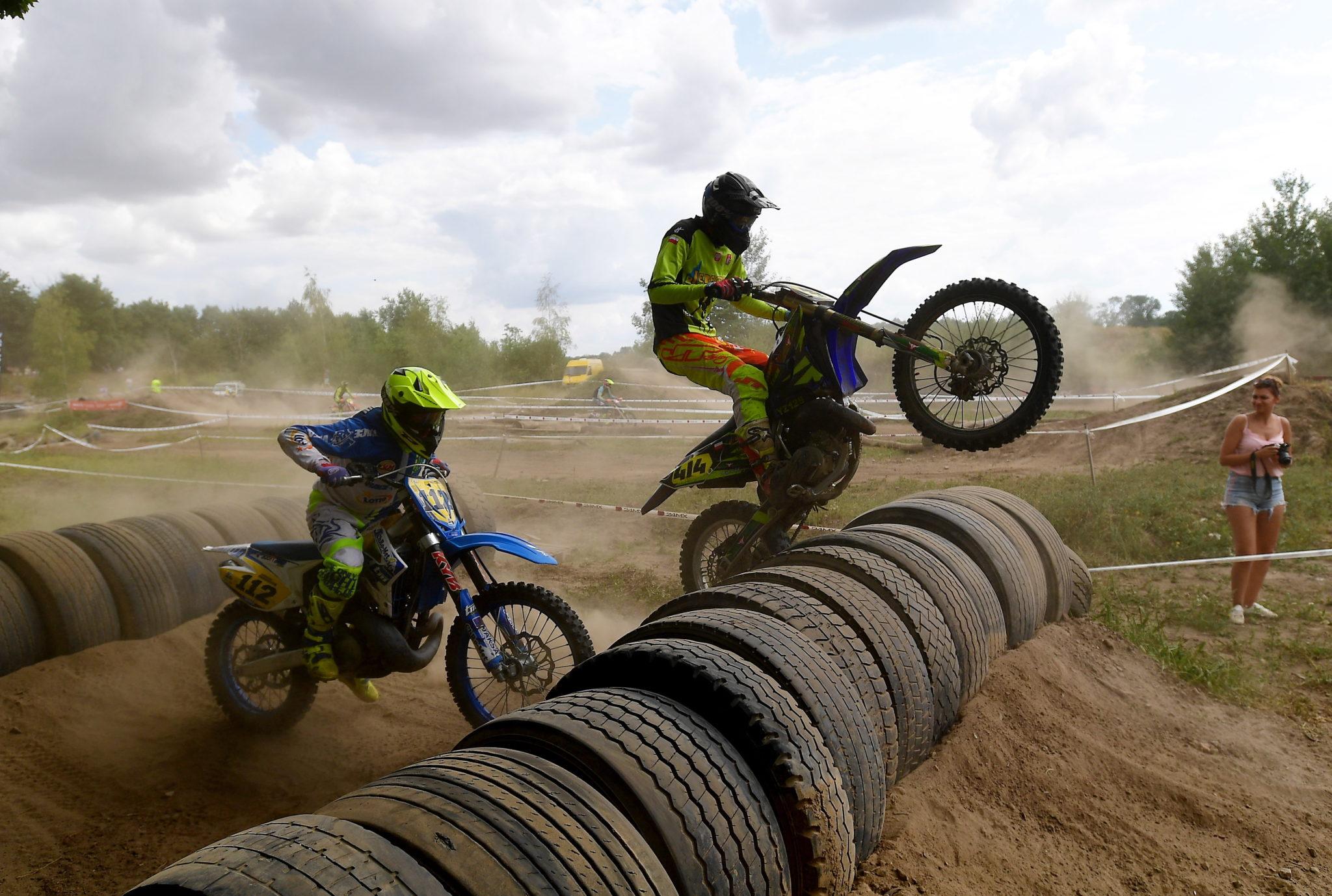Zawody mistrzostw Polski i Pucharu Polski w motocyklowym Super Enduro, w Stargardzie, fot. Marcin Bielecki, PAP