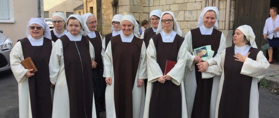 Radość życia monastycznego z siostrami z Zespołem Downa