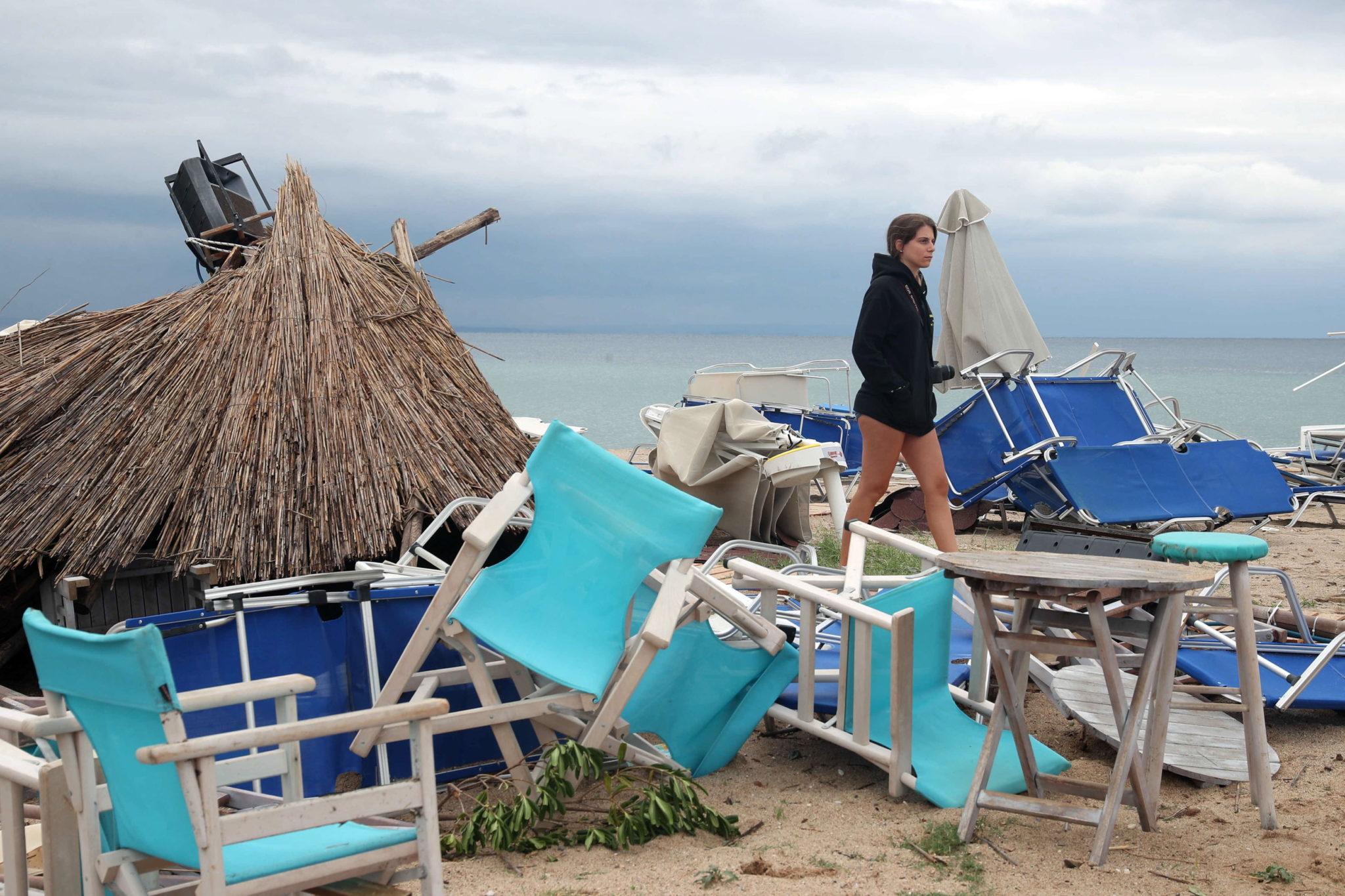 Do 7 osób wzrósł bilans ofiar w północnej Grecji. Przez tamtą część regionu przetoczyła się co prawda krótka, ale bardzo intensywna burza z gradobiciem. Wśród zabitych jest co najmniej 6 turystów, fot. VERVERIDIS VASSILIS , PAP/EPA