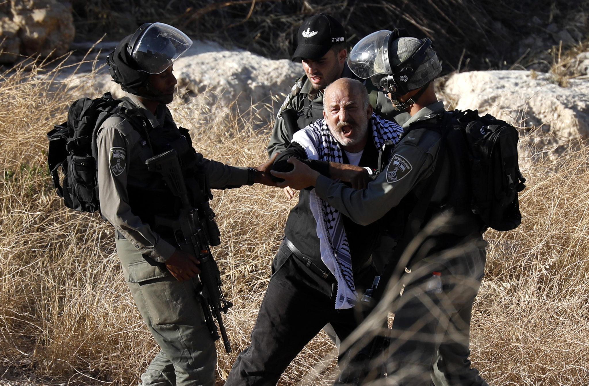 Władze Izraela postanowiły zniszczyć co najmniej sześć mieszkań palestyńskich. Izraelska armia ogłosiła, że budynki są zbyt blisko bariery separacyjnej na Zachodnim Brzegu, fot. ABED AL HASHLAMOUN, PAP/EPA.