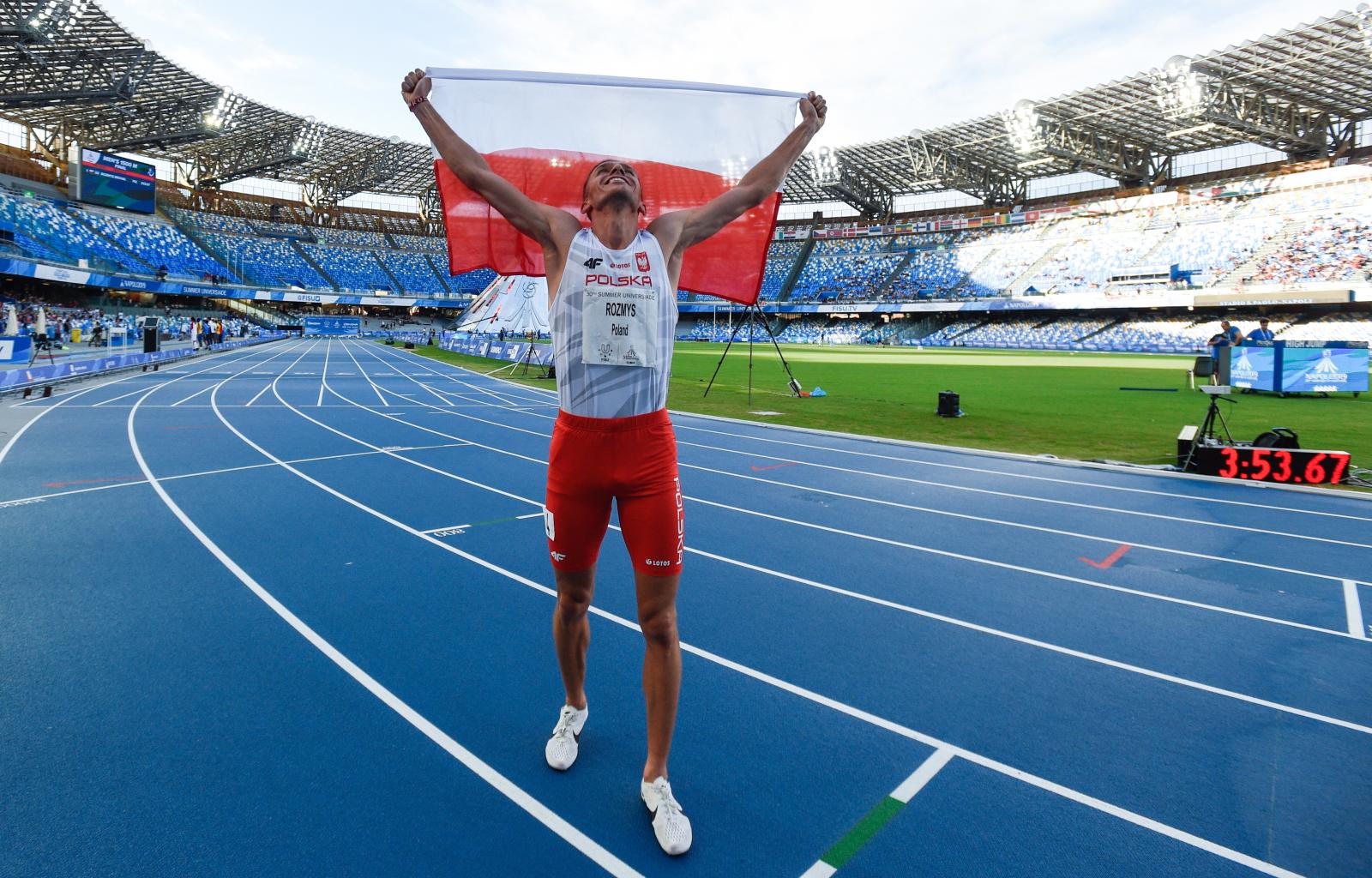 Michał Rozmys zwyciężył w biegu finałowym na 1500 m Fot. PAP/Paweł Skraba