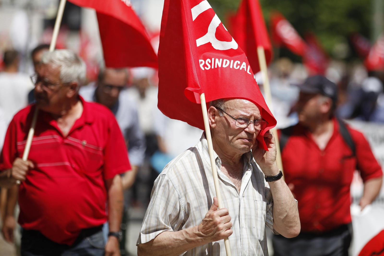 Demonstracja w Portugalii Fot. EPA/ANTONIO PEDRO SANTOS