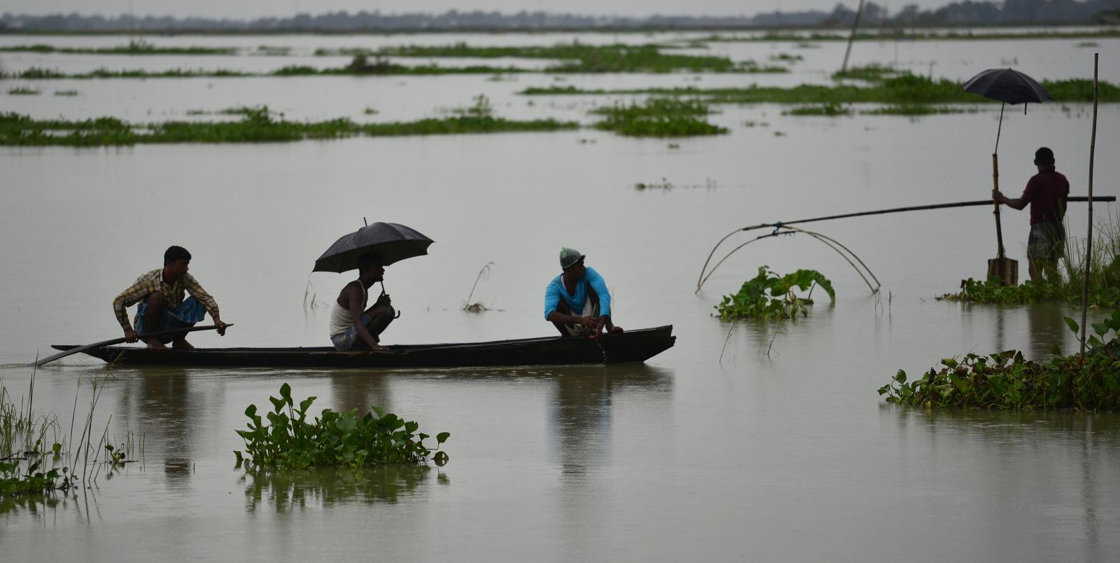 Deszczowa pogoda w Assam Fot. EPA/STR