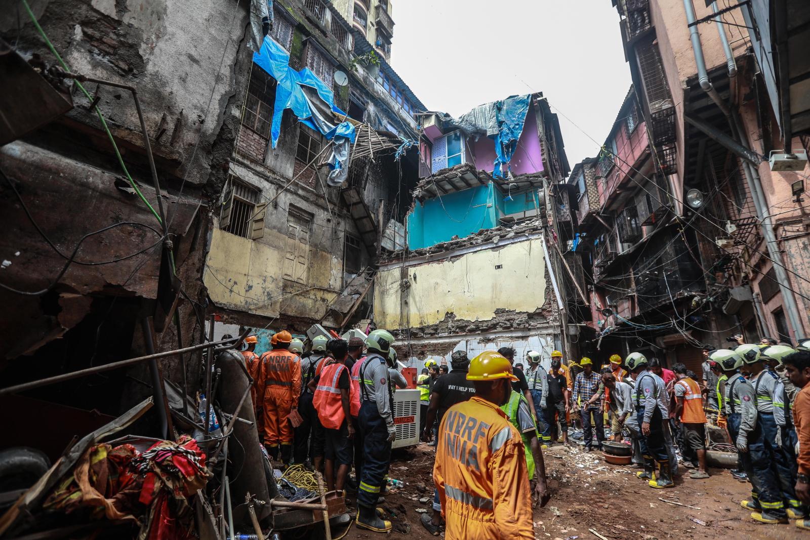 Katastrofa w Mumbai Fot. EPA/DIVYAKANT SOLANKI
