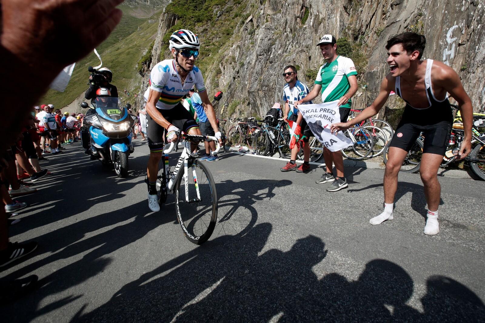 Tour de France fot. EPA/GUILLAUME HORCAJUELO