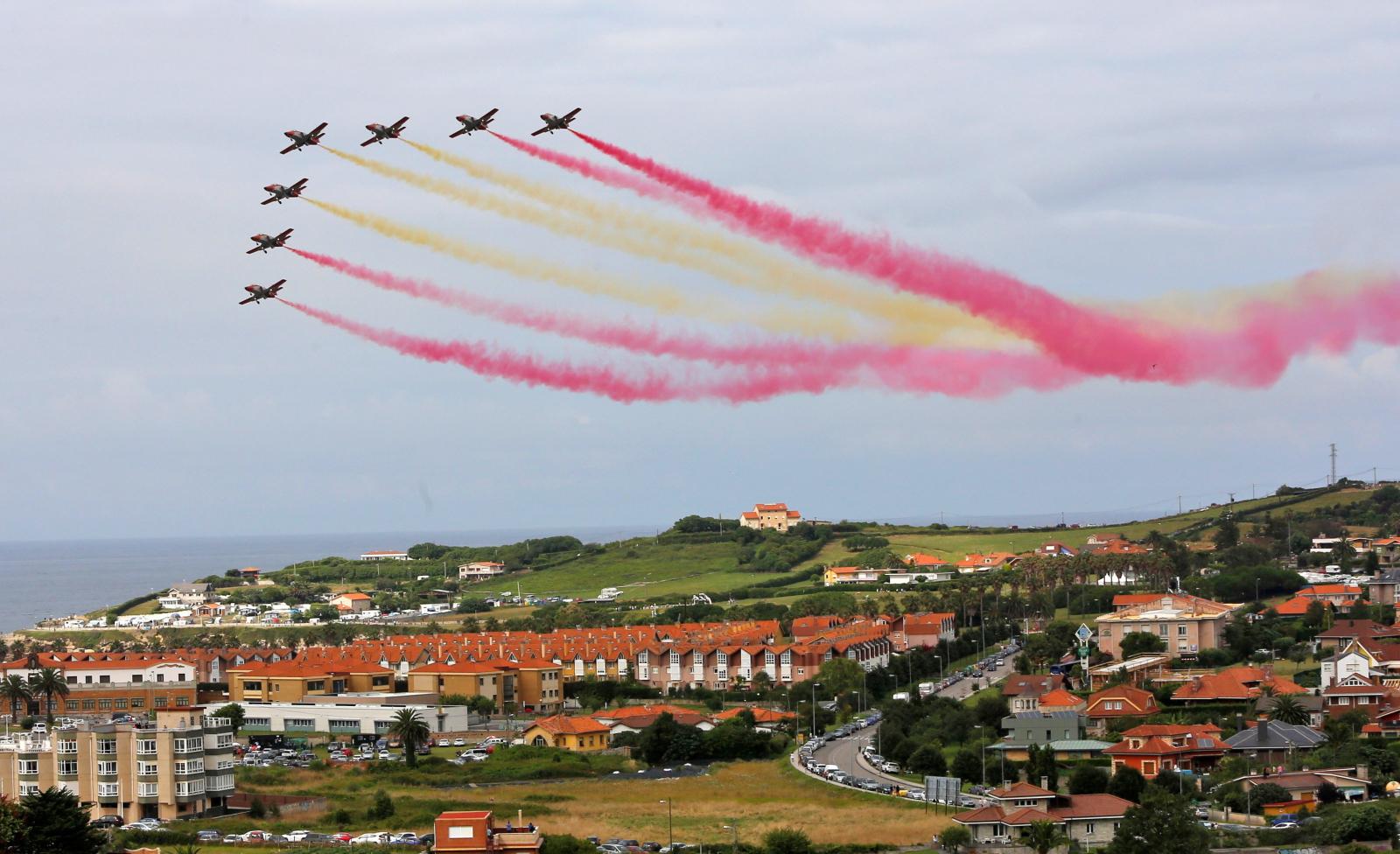 Aerial Festival w Gijon, Hiszpania. Fot. PAP/EPA/ALBERTO MORANTE