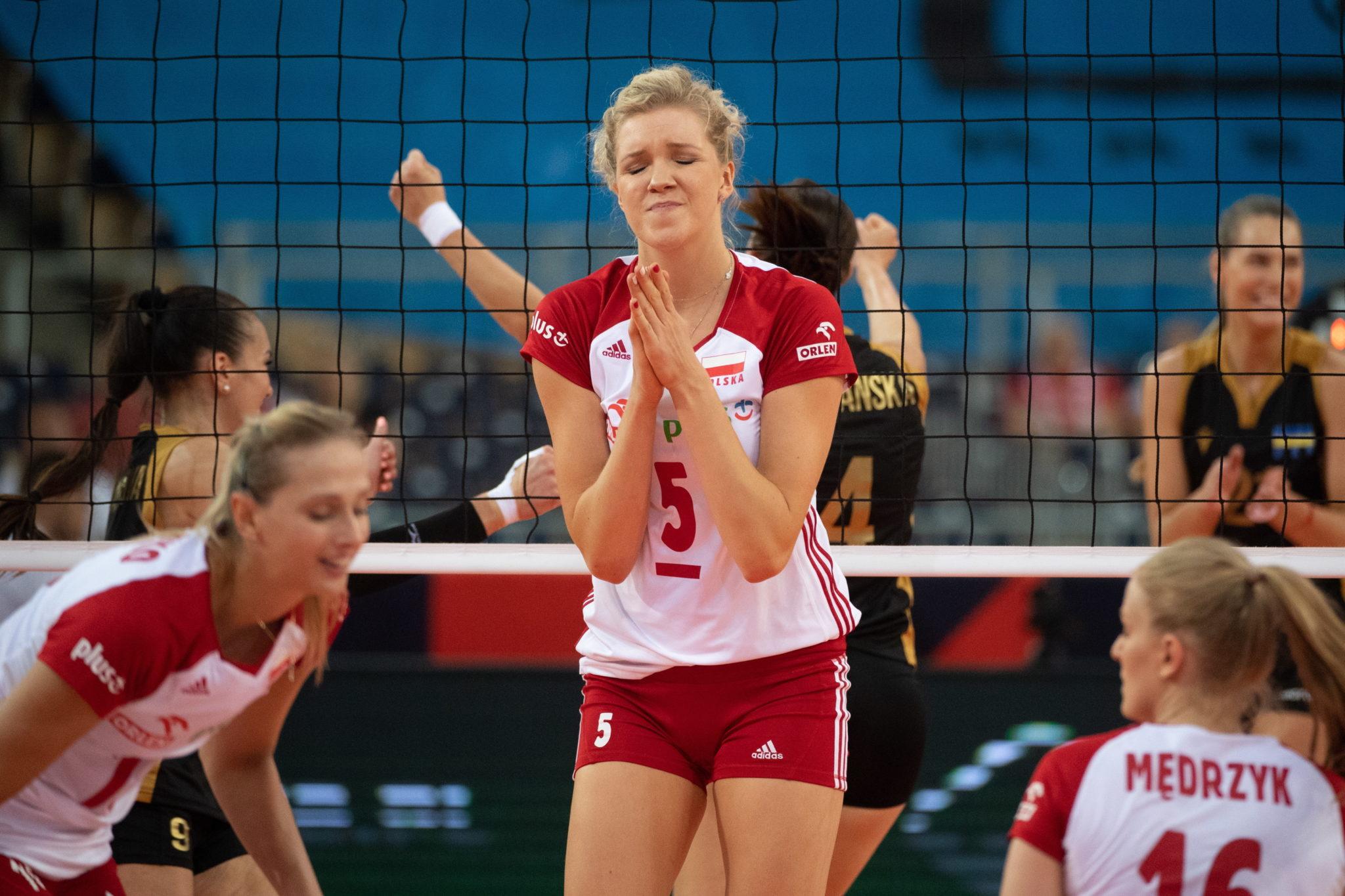 Mecz grupy B mistrzostw Europy polskich siatkarek z Ukrainą w Łódzkiej
