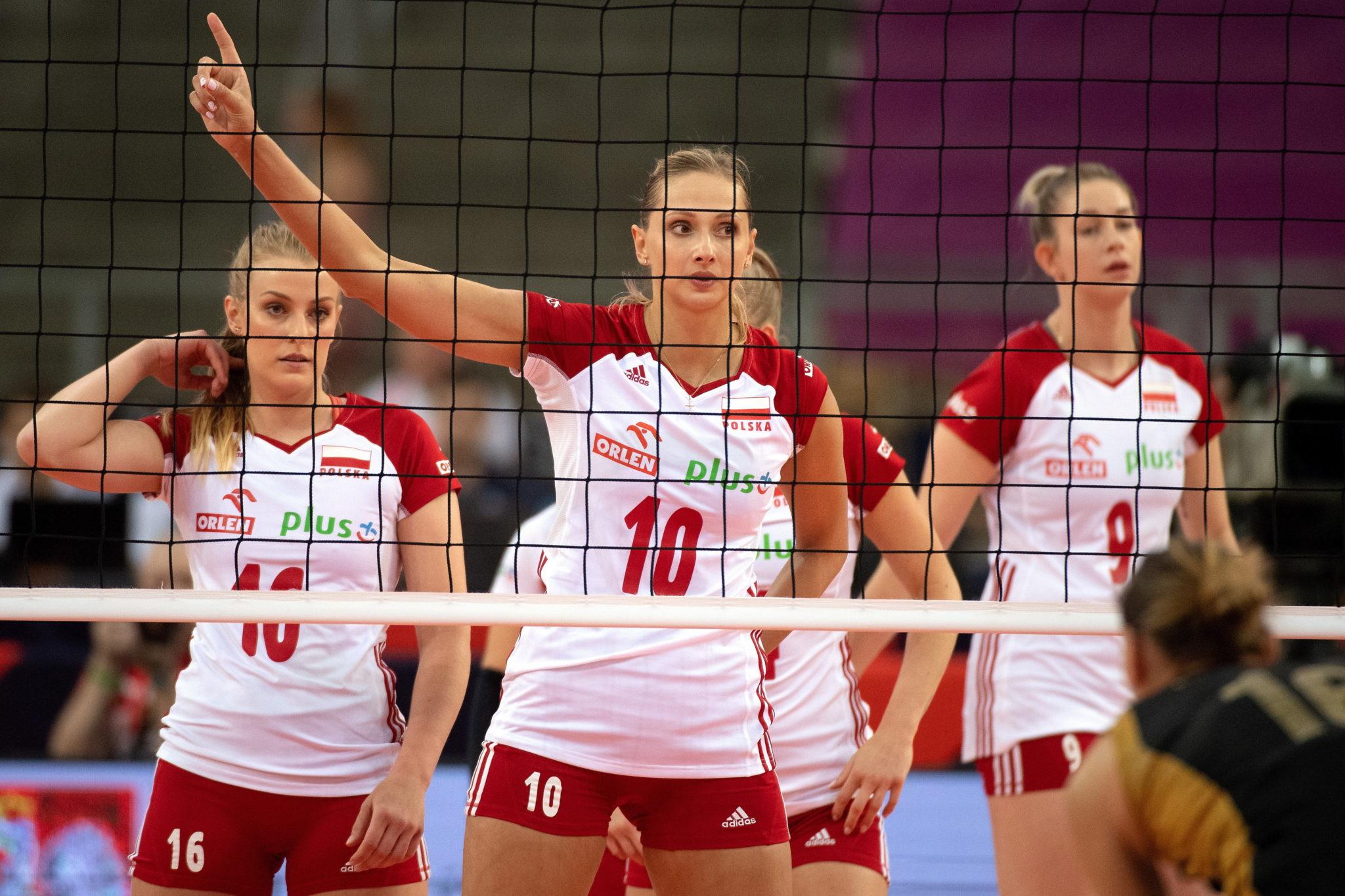 - Polskie siatkarki pokonały Ukrainę 3:1, odnosząc tym samym trzecie zwycięstwo podczas mistrzostw Europy 2019 i zapewniły sobie awans, fot. Grzegorz Michałowski, PAP