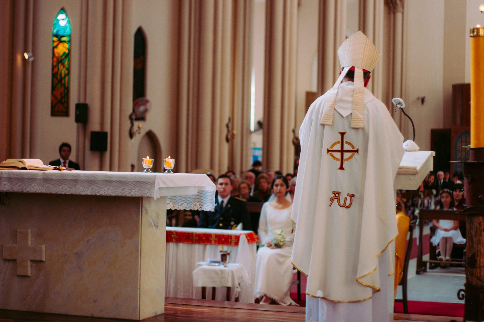 kazanie biskup kościół ambona