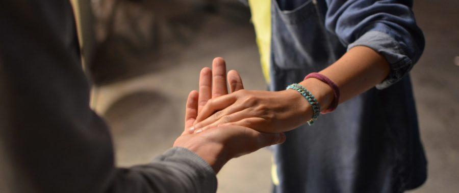 dłoń pomoc