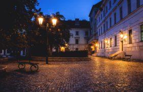 wieczór miasteczko