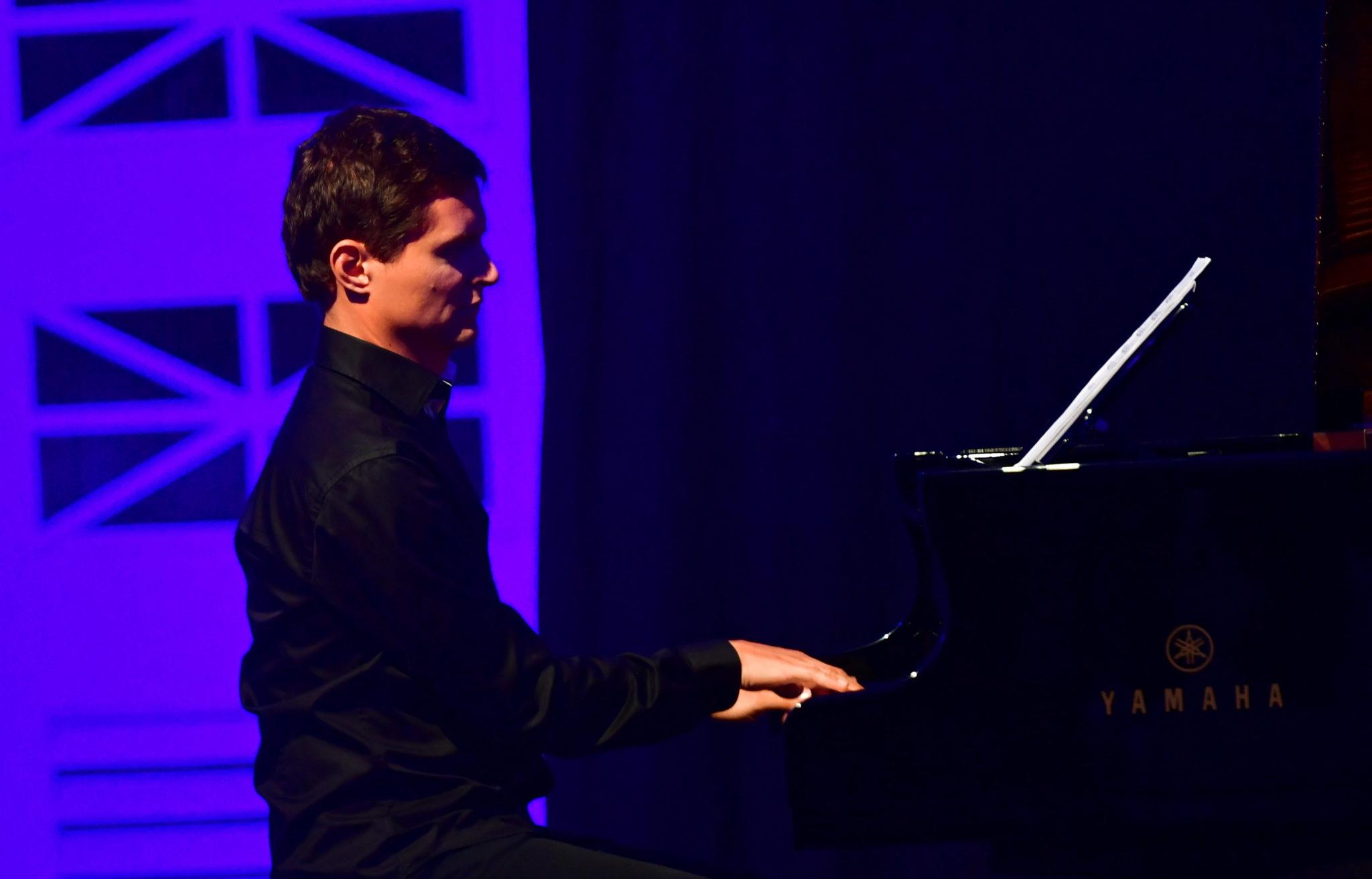 Szczecin: Maciej Tubis w ramach Tennis Music & Art Festival, fot. Marcin Bielecki, PAP