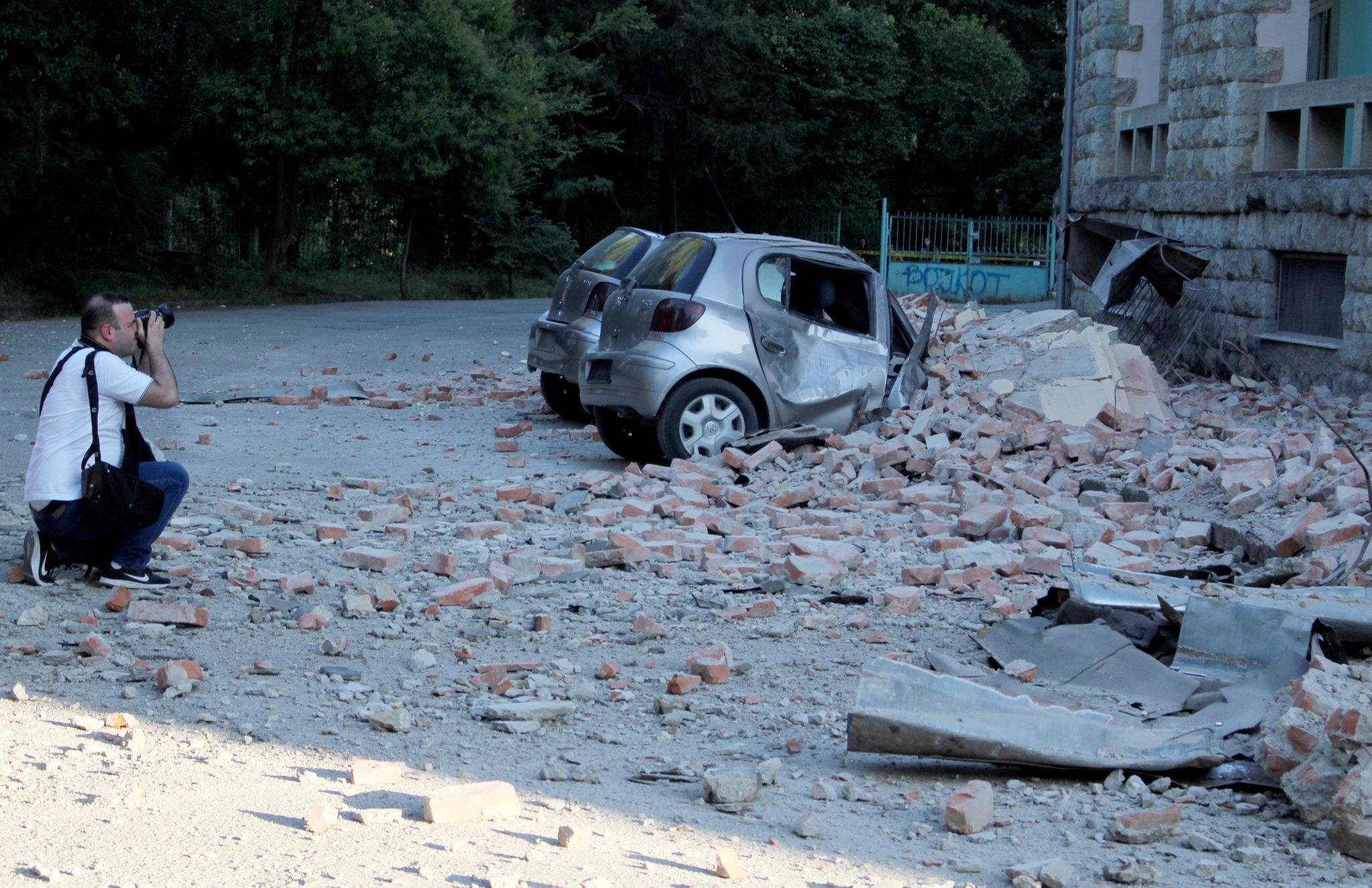 Albania, Tirana: trzęsienie ziemi o magnitudzie 5.8, fot. MALTON DIBRA PAP/EPA.
