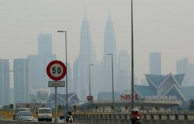 Malezja walczy z zatrutym środowiskiem fot. EPA/AHMAD YUSNI
