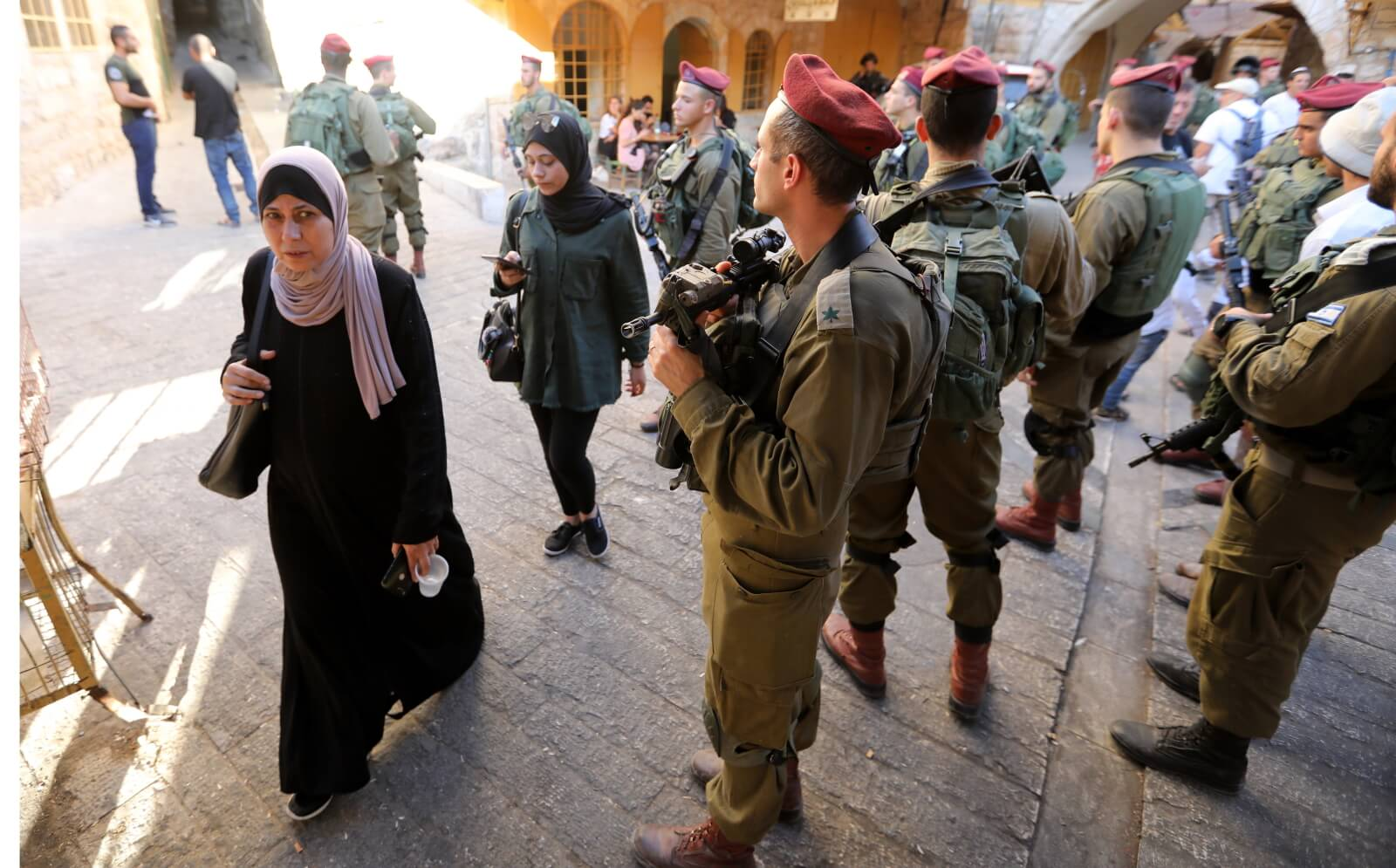 Granica Izrael - Palestyna fot. EPA/ABED AL HASHLAMOUN