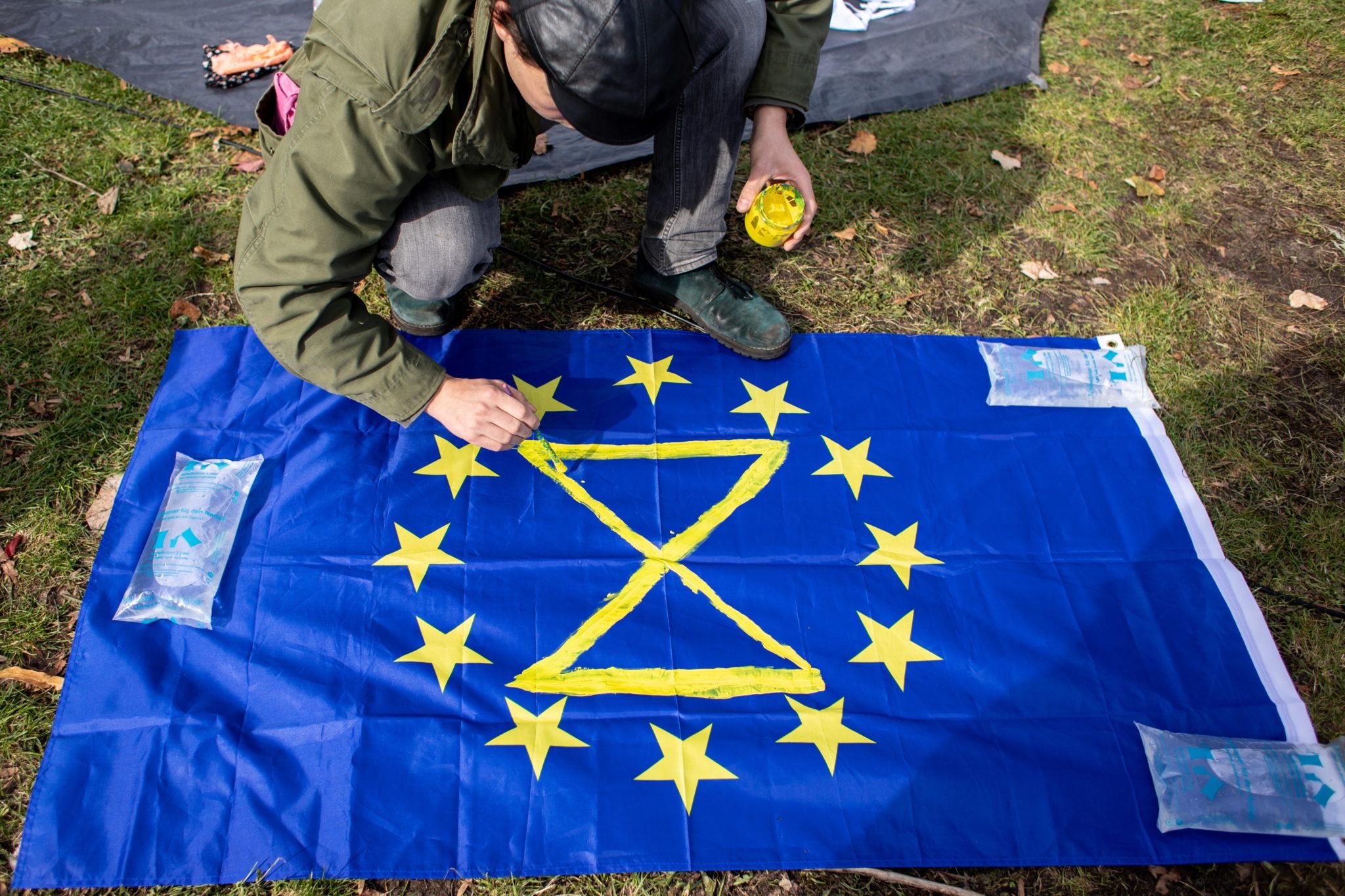 Extinction Rebellion, protest klimatyczny odbywa się w wielu miastach Europy, m.in Paryżu, Amsterdamie i Londynie. NA zdjęciu Berlin, fot. OMER MESSINGER, PAP/EPA.