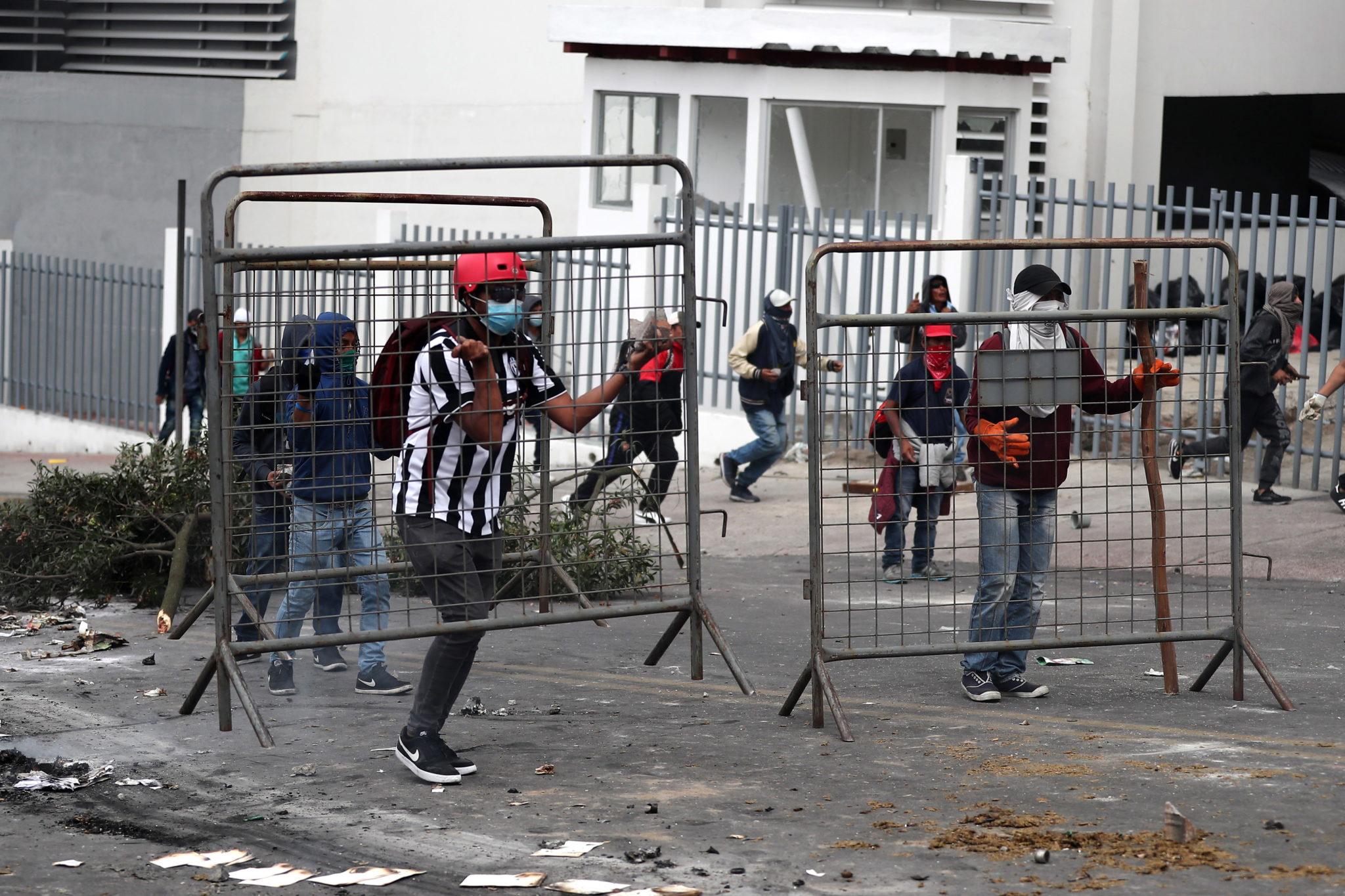Ekwador: kolejny dzień protestów, fot. Jose Jacome. PAP/EPA