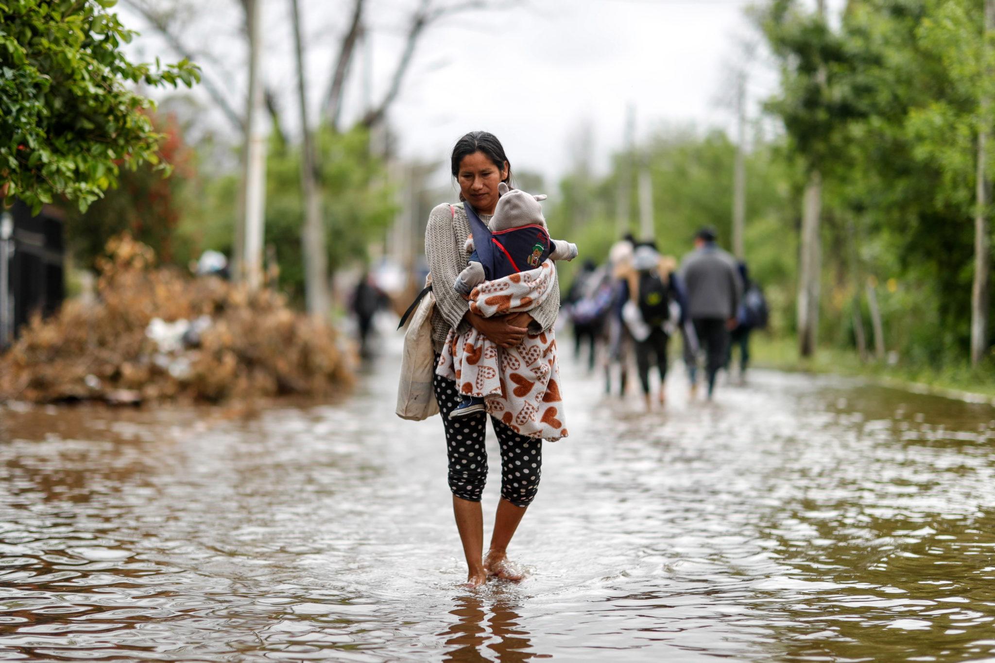 Fala powodzi w Argentynie. fot. EPA/Juan Ignacio Roncoroni