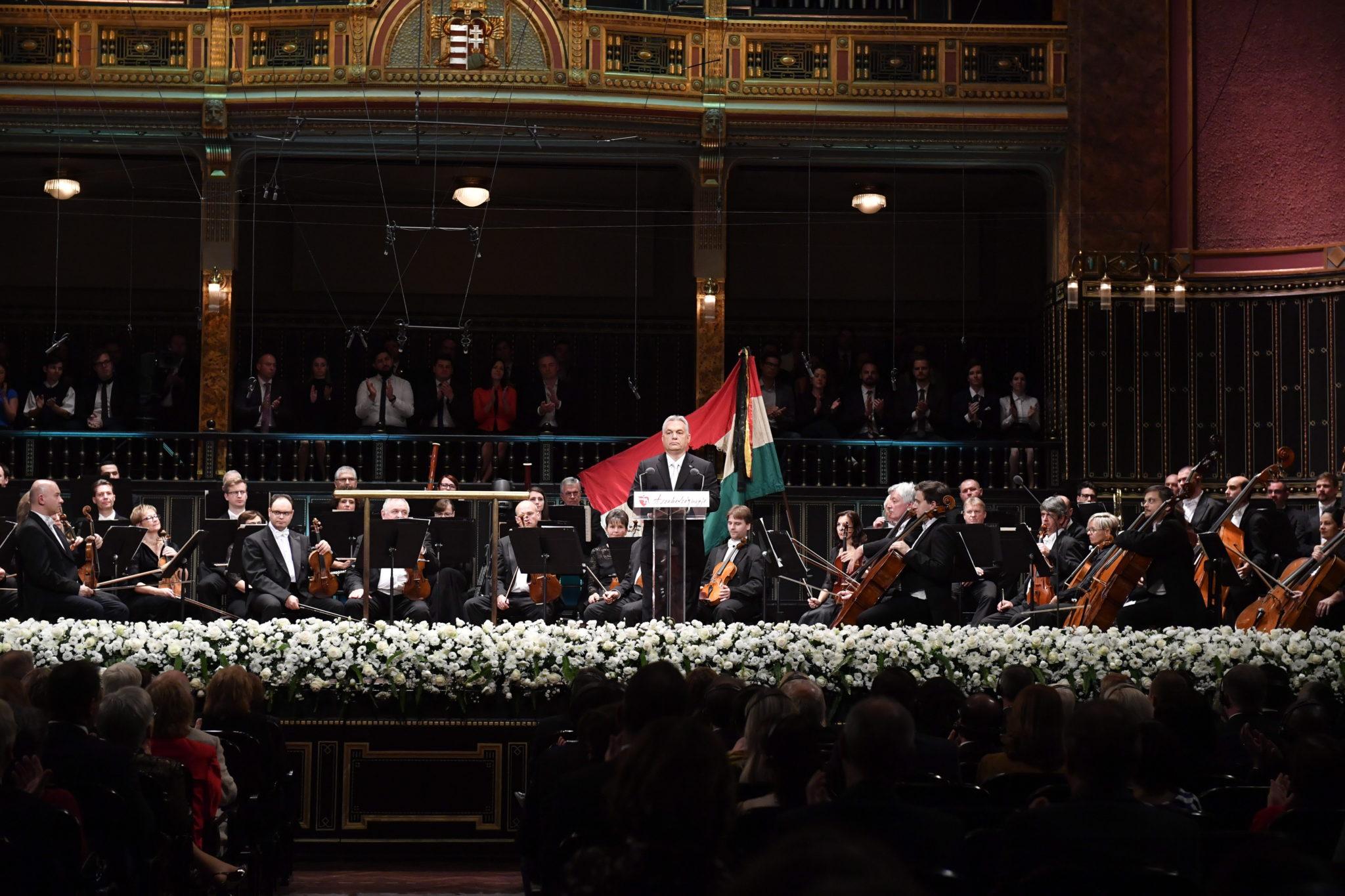 Węgry: Premier Viktor Orban zainicjował obchody 63 rocznicy powstania na Węgrzech. fot. EPA/Zoltan Mathe  Dostawca: PAP/EPA.