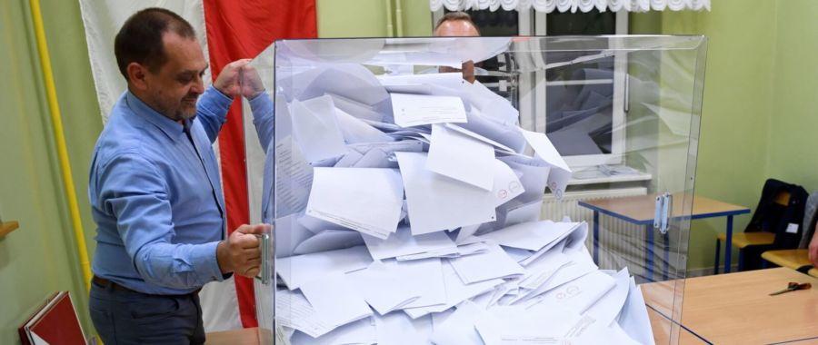 Wybory do Sejmu i Senatu RP fot. PAP/Darek Delmanowicz