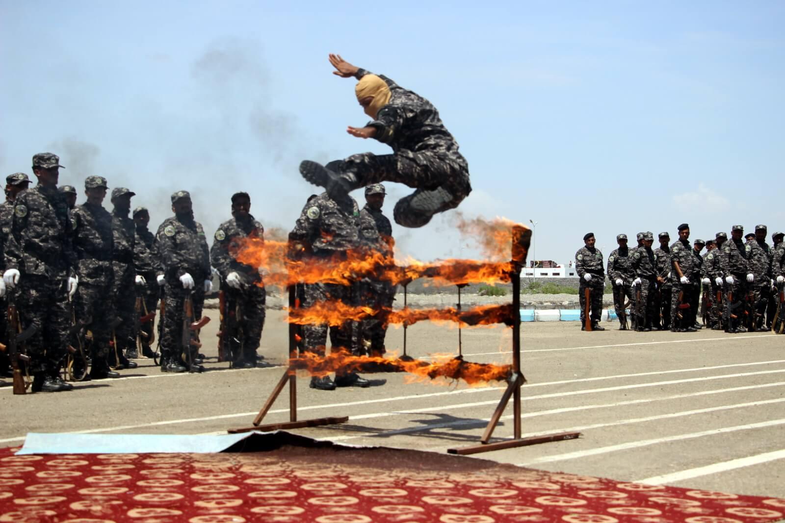 Parada wojskowa w Jemenie fot. EPA/NAJEEB ALMAHBOOBI