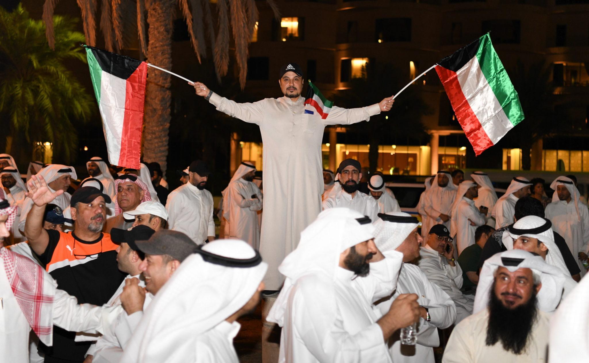 Kuwejt: demonstracja naprzeciwko Zgromadzenia Narodowego, protestujący zarzucają rządowi skorumpowanie, fot. EPA/NOUFAL IBRAHIM